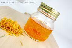 Jak sporządzić olej nagietkowy  - szklanka suszonych kwiatów nagietka, -200 ml…