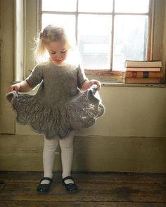 Maddie-kids-dress-purl_alpaca_designs_knitting_pattern - Knitting Projects for Kids Knitting For Kids, Baby Knitting Patterns, Crochet For Kids, Baby Patterns, Free Knitting, Knitting Projects, Knit Crochet, Knitting Wool, Wool Yarn
