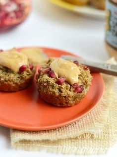 Take your oatmeal on the go with these fiber-rich and lightly sweetened baked pomegranate oatmeal snack cups!