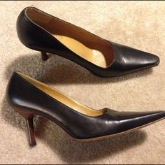 2a4fe3aa7 Women s Gucci Pumps Authentic Gucci pumps. In great shape. Gucci Shoes Heels