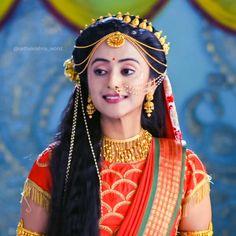 Radha Krishna Photo, Krishna Photos, Radha Kishan, Radha Krishna Wallpaper, Simple Portrait, Beautiful Girl Indian, Cute Images, Latest Pics, Deities