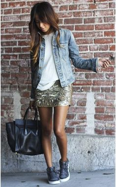 Dress in a light blue denim jacket and a gold print sequin mini skirt to get a laid-back yet stylish look. When not sure about what to wear when it comes to footwear, go with a pair of charcoal high top sneakers. Mode Outfits, Skirt Outfits, Casual Outfits, Sequin Skirt Outfit, Summer Outfits, Casual Bags, Dress Casual, Gold Sequin Skirt, Sparkly Skirt
