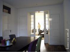 Kamer en suite vlakke panelen op dichte deuren