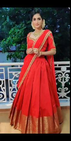 Bridal Sarees South Indian, Indian Wedding Gowns, Indian Gowns Dresses, Indian Bridal Fashion, Indian Fashion Dresses, Indian Designer Outfits, Set Saree, Half Saree Lehenga, Lehenga Saree Design