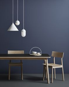 Find stylish lighting solutions from innovative designers including Muuto & Kartell in the Utility Design modern designer lighting sale. New Furniture, Furniture Design, Discount Furniture, Dining Chairs, Dining Table, Dining Area, Led Lampe, Deco Design, Ceiling Lamp