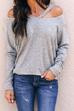 Solid V-Neck Cut Out Casual Sweatshirt – Mode für Frauen Zerschnittene Shirts, Diy Cut Shirts, T Shirt Diy, Cutting Shirts, Diy Tshirt Ideas, Cut Up T Shirt, Sweat Shirt, Diy Camisa, Cut Shirt Designs