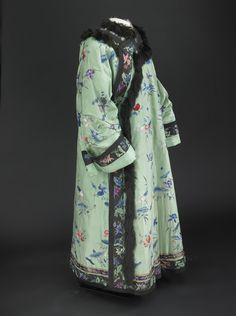 Helen Taft, first lady, Chinese robe  At the Smithsonian