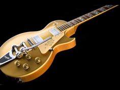 Gorgeous blues backing track in G Joe Bonamassa, Guitar Pics, Backing Tracks, Chicago Style, Gold Top, Music Theory, Guitar Chords, Eric Clapton, Music Stuff