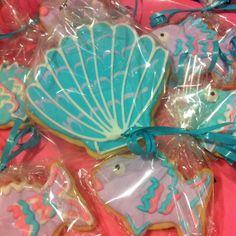Seashell & fish cookies!