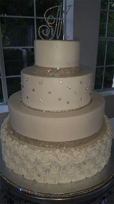Blingy cake - Torte hochzeit -You can find Bling wedding and more on our website. Bling Wedding Cakes, Fall Wedding Cakes, Wedding Cake Rustic, Wedding Cakes With Cupcakes, Elegant Wedding Cakes, Wedding Cakes With Flowers, Beautiful Wedding Cakes, Wedding Cake Designs, Wedding Themes