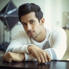 Luv u sanam Diwali Dresses, Sanam Puri, Crazy Fans, Pop Rock Bands, King Of My Heart, Cute Charms, Bollywood Songs, Love Deeply, A Guy Who