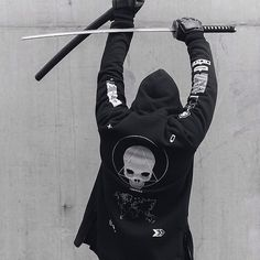 admirableco: New zipped hoodie - Snap The World Ninja Assassin, Dark Fashion, Mens Fashion, Street Fashion, Character Inspiration, Character Art, Urban Samurai, Poses, Mode Sombre