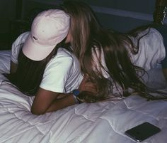 Find images and videos about gay, lesbian and lgbt on We Heart It - the app to get lost in what you love. Cute Lesbian Couples, Cute Couples Goals, Couple Goals, Gay Aesthetic, Couple Aesthetic, Couples Lesbiens Mignons, Lesbian Hot, Girlfriend Goals, Lesbians Kissing