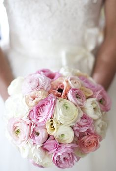 pink, ivory and creamy melon colored bouquet :) reminds me of sherbert a little bit. Style Me Pretty Bride Bouquets, Bridesmaid Bouquet, Floral Wedding, Wedding Flowers, Peach Bouquet, Spring Bouquet, Dream Wedding, Wedding Day, Wedding Blog