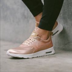 7 meilleures images du tableau nike rose gold | Chaussures