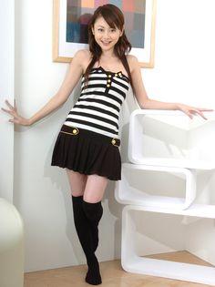 Anri+Sugihara+zebra+striped+dress01.jpg (899×1200)