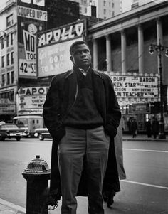 Sidney Poitier standing in front of the Apollo Theater in New York, Hollywood Actor, Classic Hollywood, Old Hollywood, Hollywood Glamour, Louis Gossett Jr, Moving To Miami, Apollo Theater, Vintage Black Glamour, New York Times Magazine