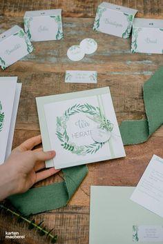 Bei einer Hochzeit gibt es so viel zu organisieren! Hier entlang für Inspiration zum Greenery Look mit einem Hauch von Festival und Boho. Von der Location, über die Tischdekoration bis hin zur Papeterie.