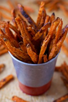 Crispy Baked Sweet Potato Fries - these are seriously so delicious! If you love these at the restaurants you'll LOVE this recipe!