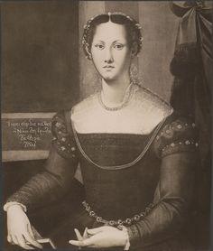 Lady with book Bronzino