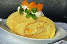 Mandarinková roláda bez mouky s třepacím krémem Gluten Free Baking, Cheese, Cake, Sweet, Desserts, Food, Pies, Candy, Tailgate Desserts
