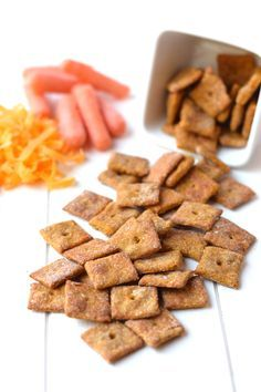 4 Ingredient Cheesy Carrot Crackers - These homemade crackers, made with only 4 real food ingredients, are the perfect healthy snack for kids! www.superhealthykids.com
