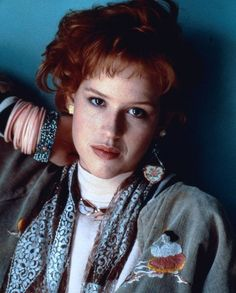 | Molly Ringwald | Molly Kathleen Ringwald (born February 18, 1968) is an American actress, singer, dancer, and author. After subsequently appearing in the successful John Hughes films Sixteen Candles (1984), The Breakfast Club (1985), and Pretty in Pink (1986), Ringwald became a teen icon. The Breakfast Club, Ella Enchanted, Molly Ringwald, I Love Cinema, 80s Fashion, Female Fashion, Redhead Fashion, Fashion Vintage, Petite Fashion