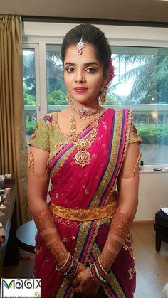 Half Saree Designs, Bridal Blouse Designs, Half Saree Lehenga, Saree Dress, Saree Blouse Patterns, Saree Blouse Designs, Indian Jewellery Design, Gold Jewellery, Jewelery