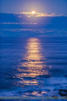 Beautiful night with sweet dream. The Full Moon rising over the Pacific Ocean and lighting the waters with a golden glitter path of reflected moonlight. Beautiful Nature Wallpaper, Beautiful Moon, Beautiful Beaches, Beautiful World, Beautiful Landscapes, Moon Pictures, Nature Pictures, Beautiful Pictures, Calming Pictures