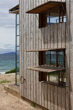 Portable beach cabin New Zealand bach; Gardenista