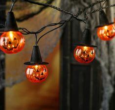Fröhliches Halloween, Vintage Halloween, Peanuts Halloween, Samhain Halloween, Favorite Holiday, Holiday Fun, Season Of The Witch, Autumn Cozy, Fright Night