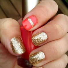 <3 how there's just one pink nail with a gold stripe and then the rest are gold.
