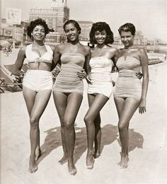 Vintage beach, lovely ladies