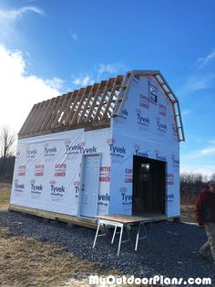 Thinking about free shed plans watches? This is the place for more info. Cheap Tiny House, Shed To Tiny House, Run In Shed, Shed Plans 12x16, Diy Shed Plans, Cabin Plans, House Plans, Gambrel Barn, Gambrel Roof