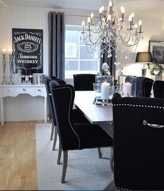 Dining room – Home Decor Designs Interior Design Living Room, Living Room Decor, Black And White Living Room, Goth Home Decor, Dining Room Inspiration, Dining Room Design, Home Decor Kitchen, Home And Living, Sweet Home
