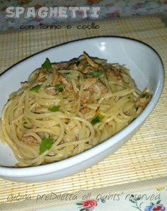 Gli spaghetti tonno e cipolla sono un primo piatto gustosissimo, facile e veloce. Quando andate di fretta, ma non volete accontentarvi del solito panino....