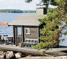 Sisustavan mökkitalkkarin paratiisi | Koti ja keittiö Outdoor Baths, Summer Dream, Cozy Cabin, Cabin Ideas, Home And Away, Sheds, Finland, Cottages, Villa