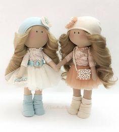 Mariottina doll Textile doll Handmade doll Fabric doll Tilda doll Soft doll Cloth doll Collectible doll Rag doll Interior doll by Mariotta ______________________________________________ This is a Mariottina doll, handmade with quality fabric by Mariotta. Doll is about 30 cm (11.8