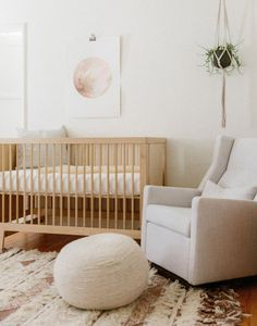 natural color crib and simple decor with hanging plant. Converts to Classic Toddler Bed with purchase of conversion kit. Details Fits a standard x crib mattress (not included). Mattress must be at least 27 x 51 and thick - Lo Baby Room Decor, Nursery Room, Kids Bedroom, Nursery Decor, Child's Room, Room Boys, Girl Nursery, Harper Nursery, Themed Nursery