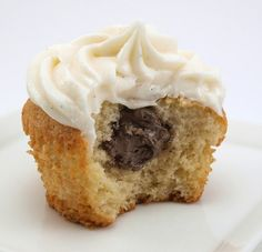Chocolate Cream Filled Vanilla Bean Cupcakes with Vanilla Bean Frosting | Baking and Cooking Blog - Evil Shenanigans
