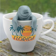 Help our Manatea get back home! Made from food grade silicone so your tea just taste like tea. Its a breeze to fill, and a pleasure to use. The parts separate easily so you easily clean your mantea. N