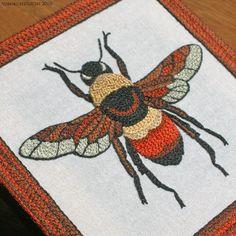 BEE--2.jpg  蜂の図柄。