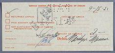 """MARYLIN MONROE  un reçu de la banque signé par Marilyn Monroe. Daté du 9-15-51 (15 septembre 1951), Titré """"Service Charge For Special Handling of Checks"""", pour la somme de $2.00 pour un chèque non solvable"""