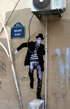 Une bouffée d'air frais - Rock star by Levalet street art in Paris 3d Street Art, Murals Street Art, Amazing Street Art, Street Art Graffiti, Mural Art, Street Artists, Street Art Photography, Paint Photography, Photographie Street Art