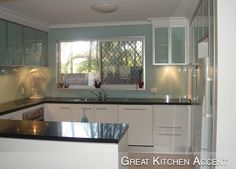 Spice up your home with a new glass kitchen backsplash. Backpainted Glass specializes creating and shipping you glass backsplashes for kitchens, bathrooms, and many more applications for exciting back painted glass! Install Backsplash, Glass Backsplash Kitchen, Stove Backsplash, Glass Kitchen, Kitchen Redo, Kitchen Cabinets, Backsplash Ideas, Back Painted Glass, Black Counters