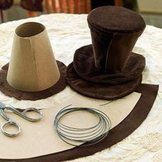 Een-hoedje-gemaakt-van-karton-en-fluweel-op-een-haarband-vastmaken-en.1368206104-van-Dithje67.jpeg (700×700)