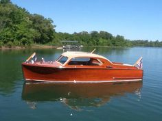 Carolina Classic Boats and Cars : Classic Wooden Boats and Automobiles including… – Now YOU Can Build Your Dream Boat With Over 500 Boat Plans! Plywood Boat Plans, Wooden Boat Plans, Old Boats, Small Boats, Wooden Speed Boats, Chris Craft Boats, Free Boat Plans, Runabout Boat, Classic Wooden Boats