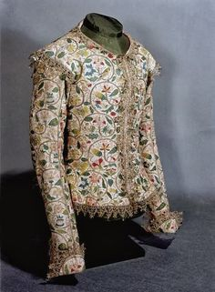 The Layton jacket in linen, embroidered with silk and silver, 1610-1615