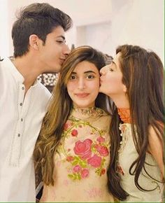 cutest pic; urwa and mawra hocane  with their brother.