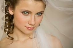 Find out what the Top 10 Bridal Beauty Tips & Don'ts are here:  http://weddingideasclub.com/bridal-beauty-101-top-10-bridal-beauty-tips-donts/  Excellent Bridal Beauty 101 resource.